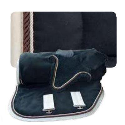 Conjunto mantilla, orejeras y manta negra-champagne con cordón 1304
