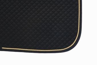 Mantilla acolchada negra con cordón dorado y ribete