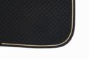 Mantilla acolchada negra con cord�n dorado y ribete