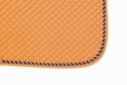 Mantilla acolchada naranja con cordón tricolor y ribete